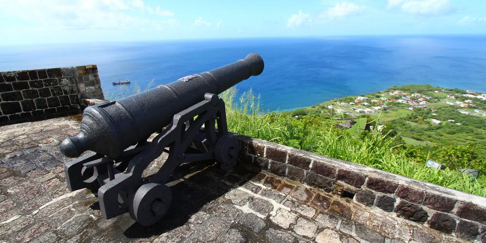 Saint-Kitts-Nevis-Adalari2