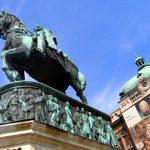 statue-in-belgrade-1553676-640x480