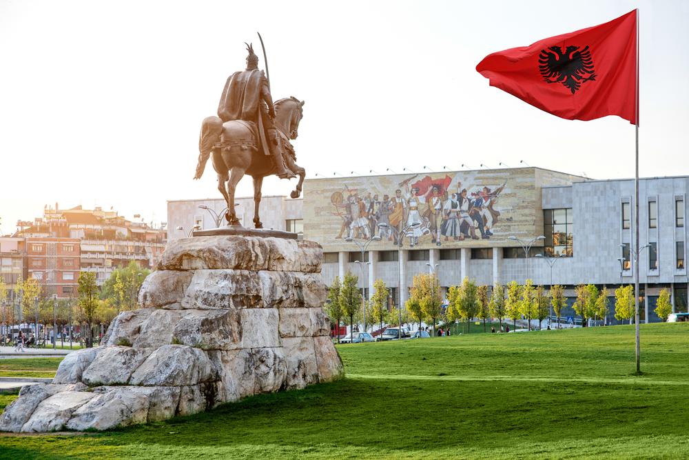 arnavutluk-havalimanı-2