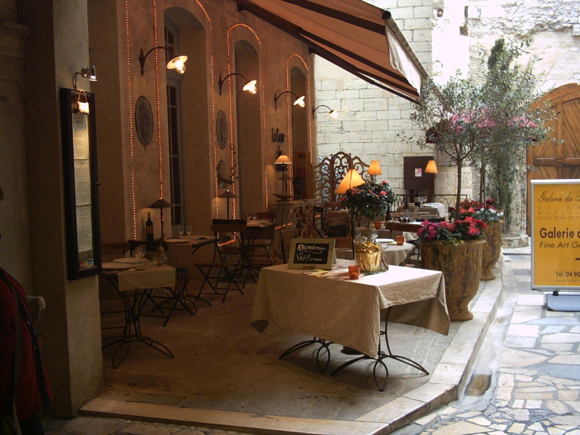 restaurant-1233046