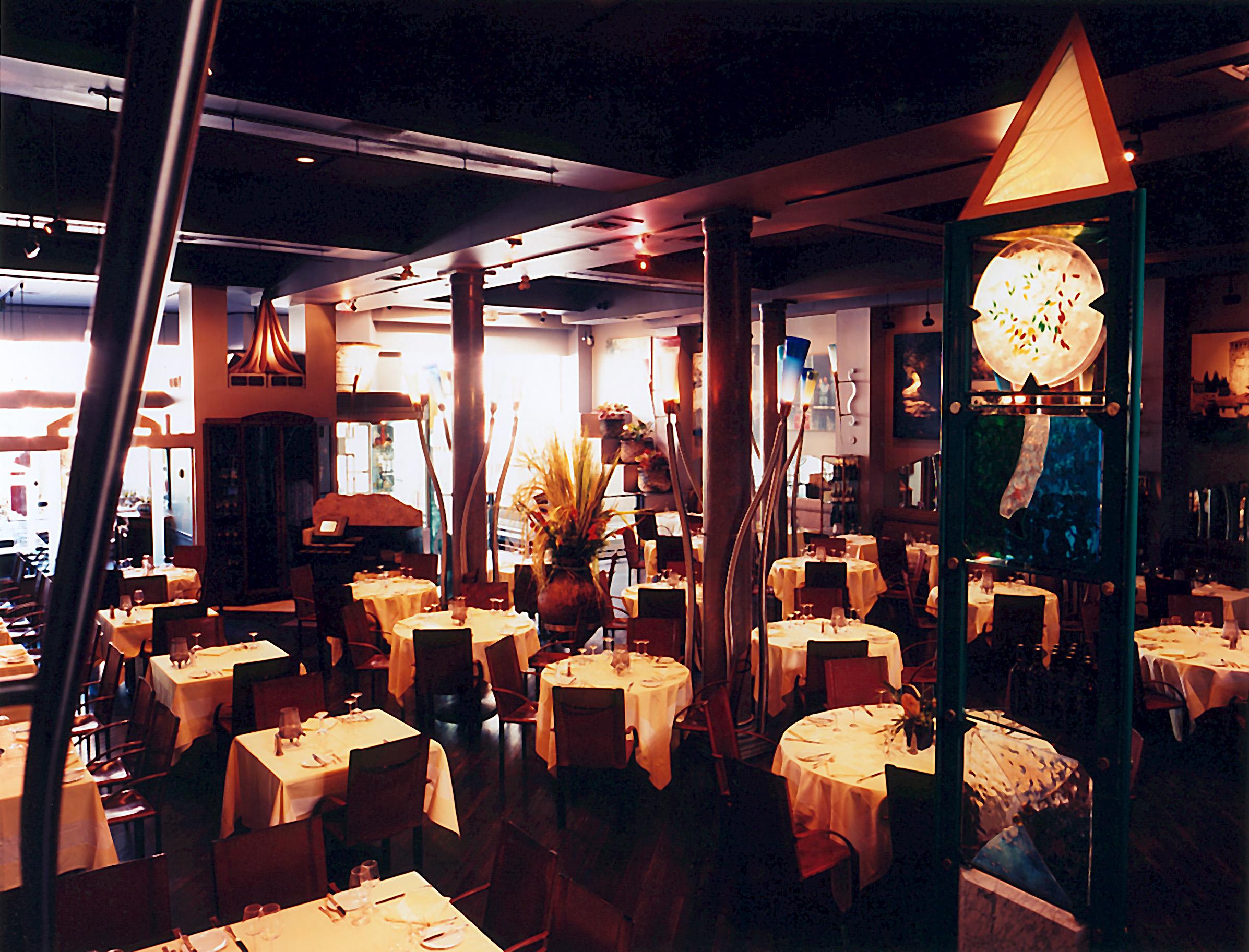 restaurant-interior-1478508